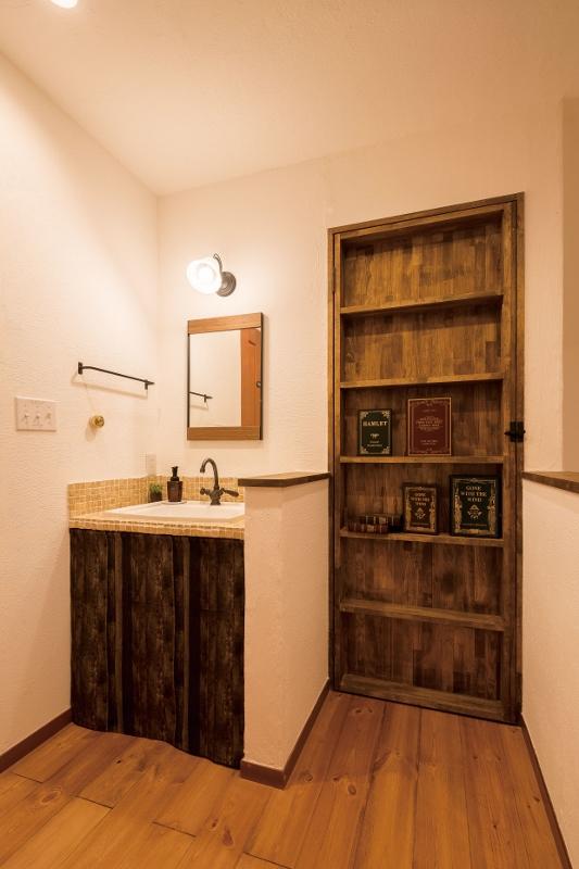 本棚のような隠し扉