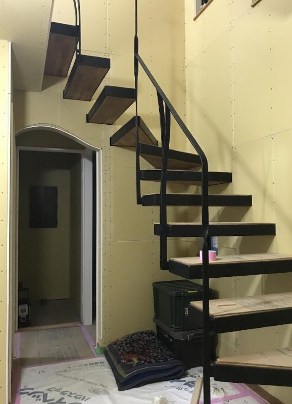 藤沢市W様邸片持ち階段鉄階段