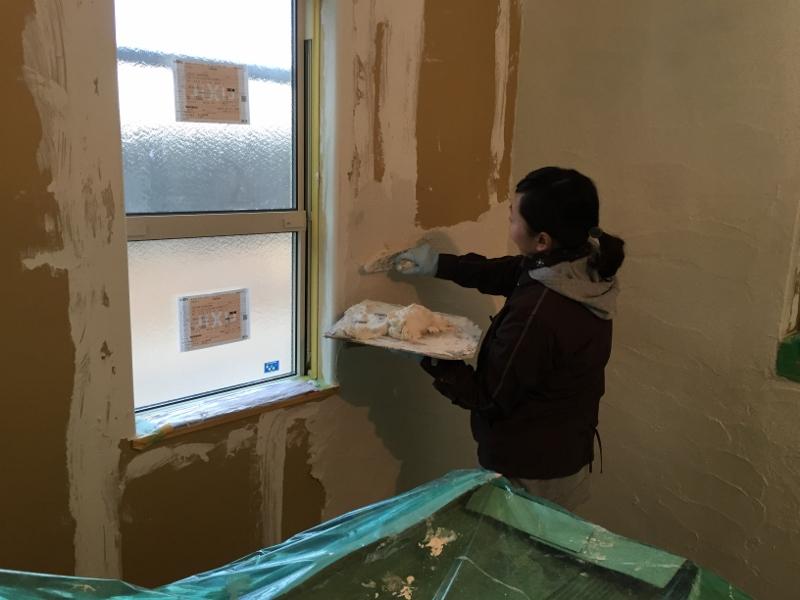 漆喰塗りに挑戦