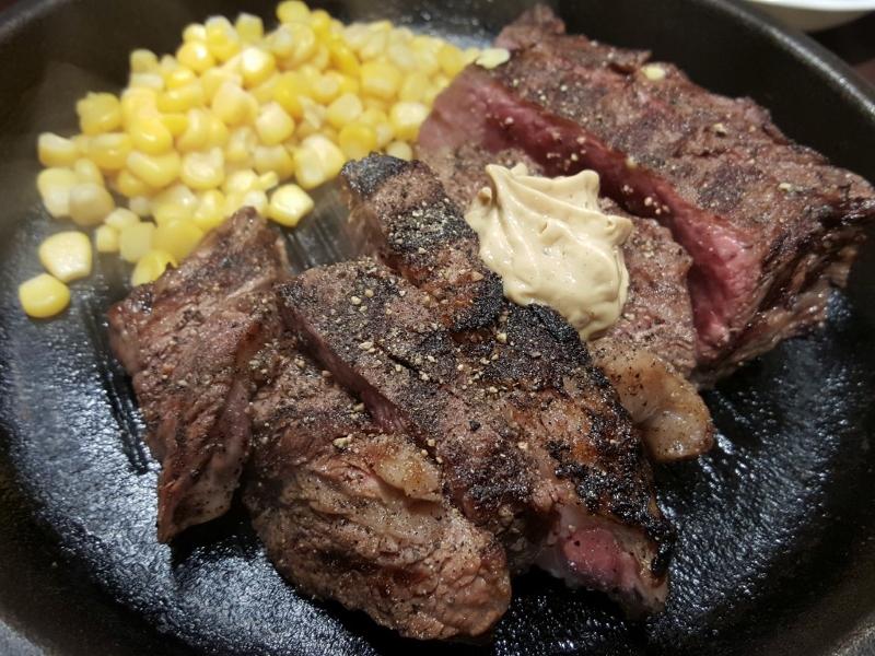 ボリューム満点なお肉