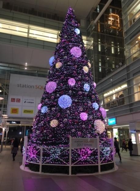 高さ12mのクリスマスツリー