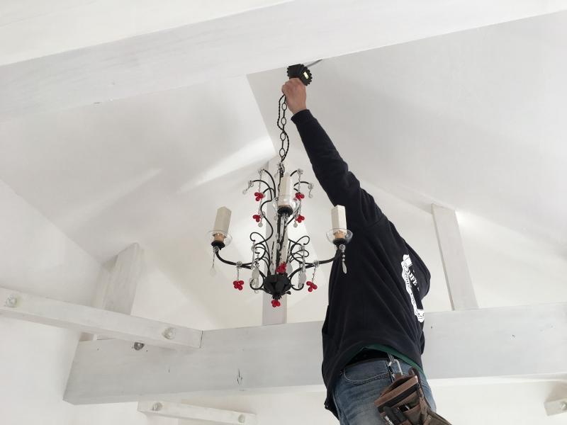 白い天井と梁にとても合っていてすごく素敵です